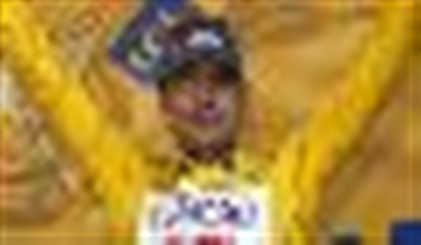 Cadel holds on to yellow jersey