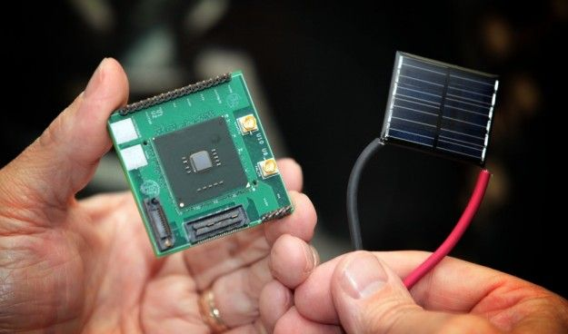 Intel demonstrates powering up without plugging in