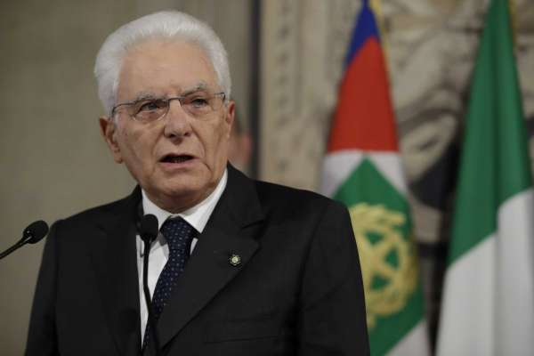 Mattarella gives Italian parties more time to avoid calling elections