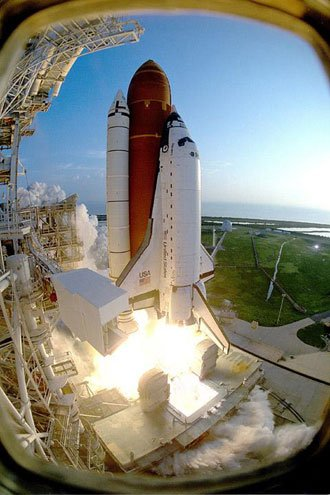 NASA plans Discovery launch May 15