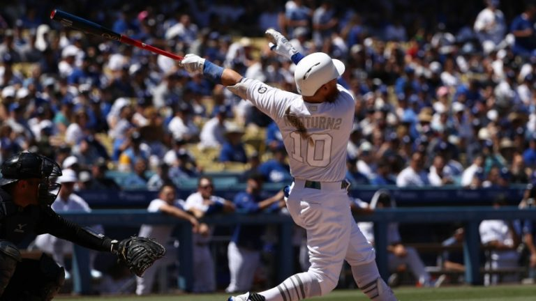 San Diego retains division title, Dodgers claim wild card