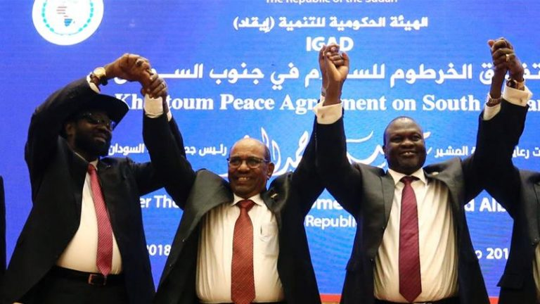 Sudanese celebrate this Saturday the historic transition agreement that formalizes the end of the Al Bashir era