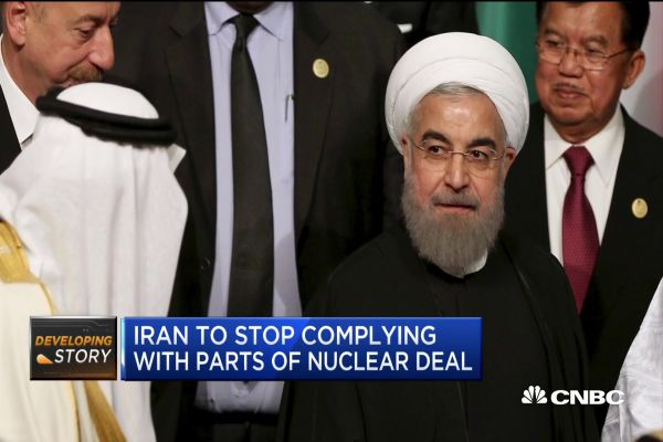 Talks on Iranian Reactor Deal Show Divisions on Sanctions