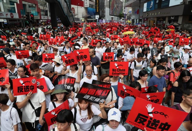 Thousands of students concentrate in Hong Kong to ask for help from the US and the United Kingdom