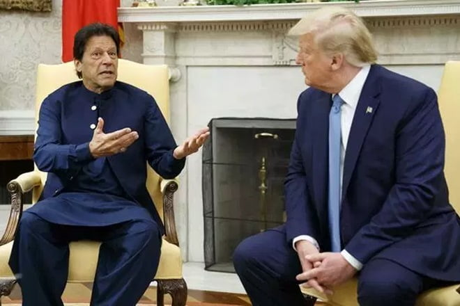 "Trump asks Pakistani and India to ""reduce tensions"" in Kashmir through a ""dialogue"""