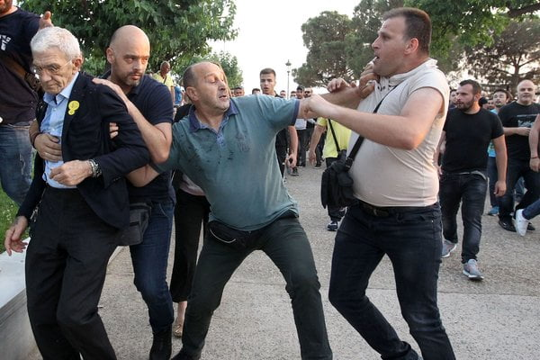 75-Year-Old Mayor Is Attacked in Greece, and Nationalists Rejoice