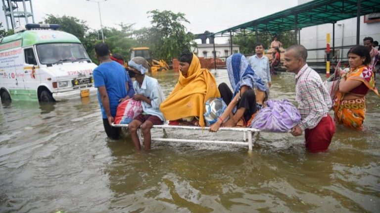 At least 21 dead and 12 missing by the monsoon in eastern India