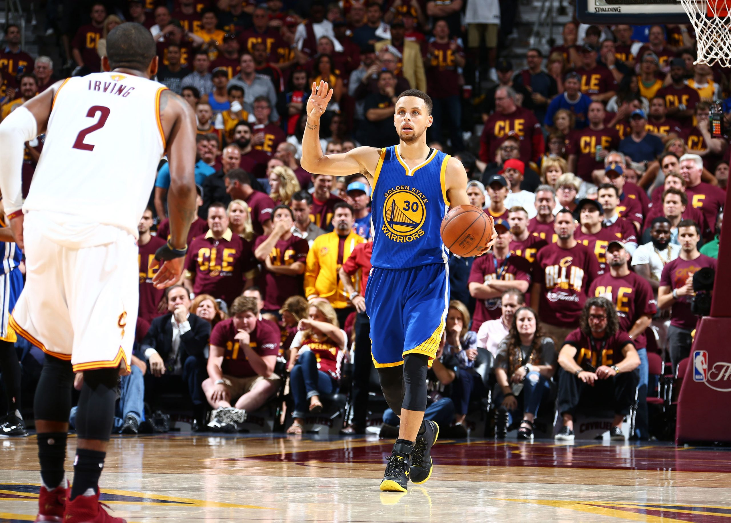 Curry leads Warriors to fourth straight NBA Finals against Cavaliers