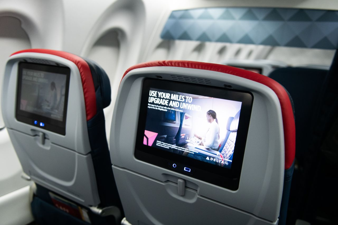 Delta to offer Wi-Fi on all domestic planes