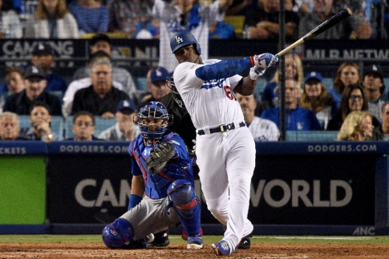 Dodgers win as Yankees draw first blood