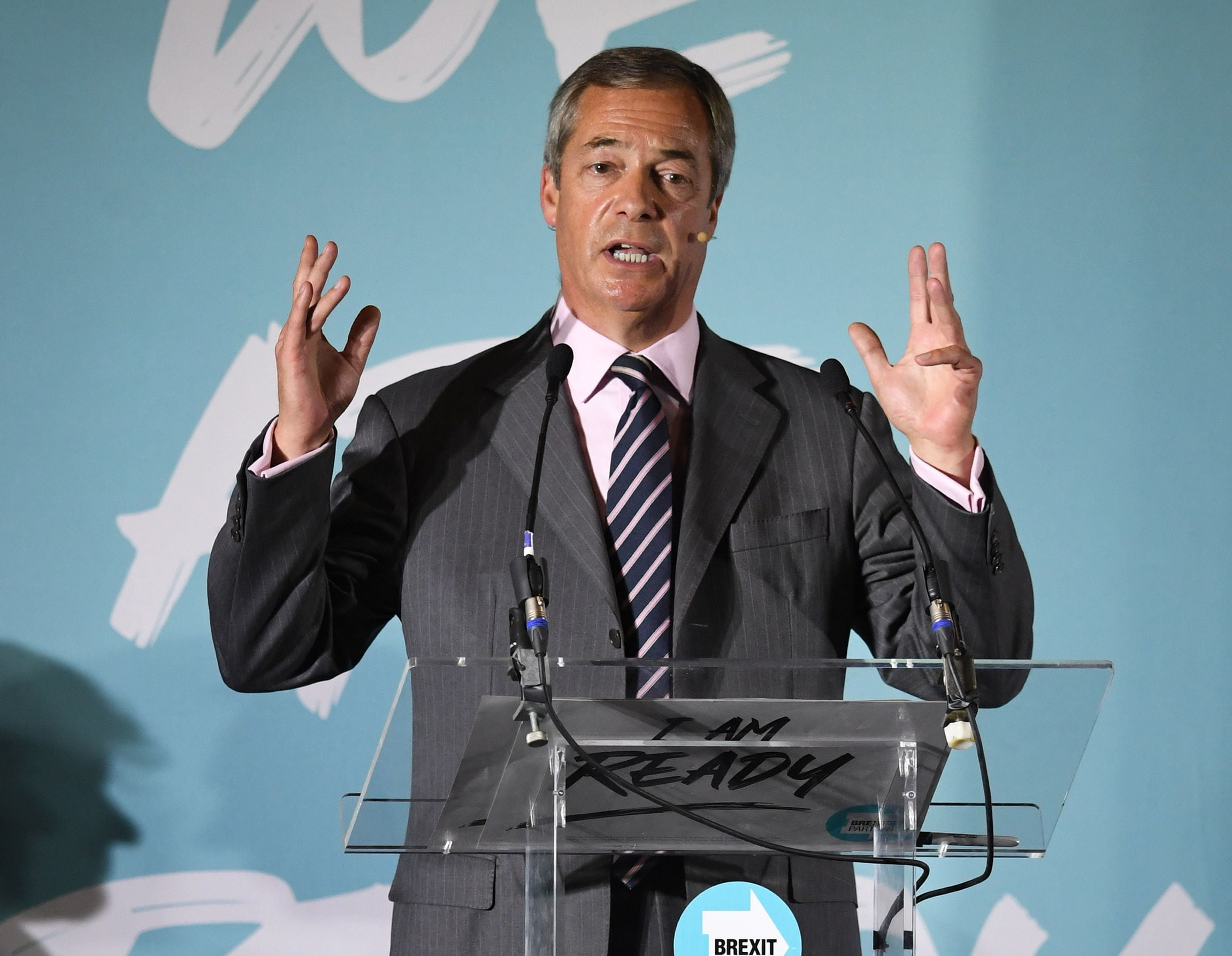 """Farage offers Johnson a pact and warns him of a possible """"kick"""" at the polls if there is no Brexit"""