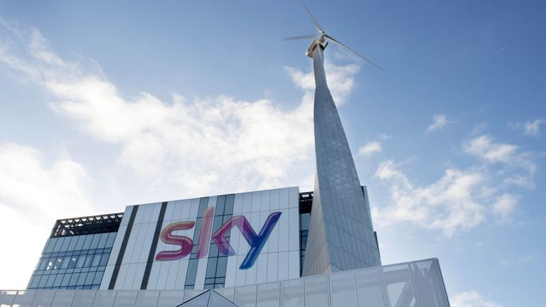 Govt clears way for Comcast's Sky takeover