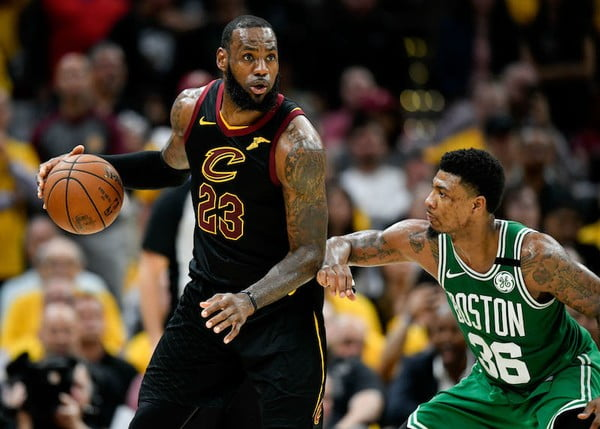 LeBron's sixth 40-point game of the playoffs evens series vs. Celtics