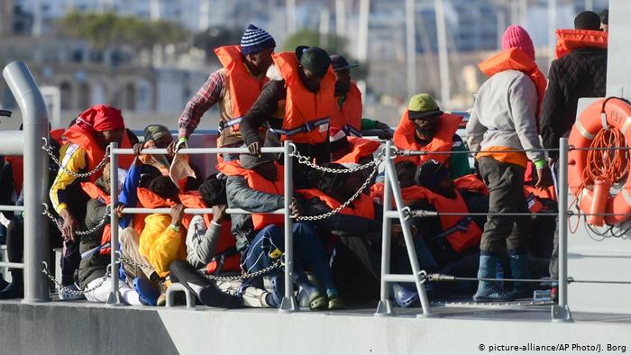 Malta authorizes the landing of the last five migrants of the 'Alan Kurdi'