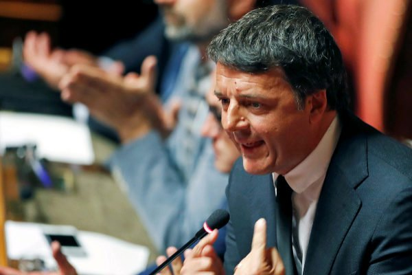 Renzi announces that he leaves the PD to form a new party but guarantees his support for the Government