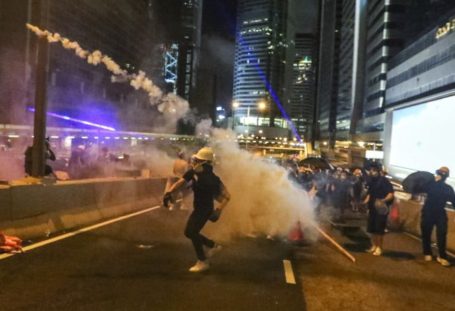 Riots and intense mobilizations on the fifth anniversary of Central Occupy in Hong Kong