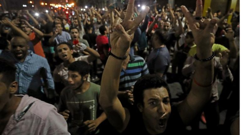 Riots in Egypt on the second consecutive day of demonstrations against Al Sisi