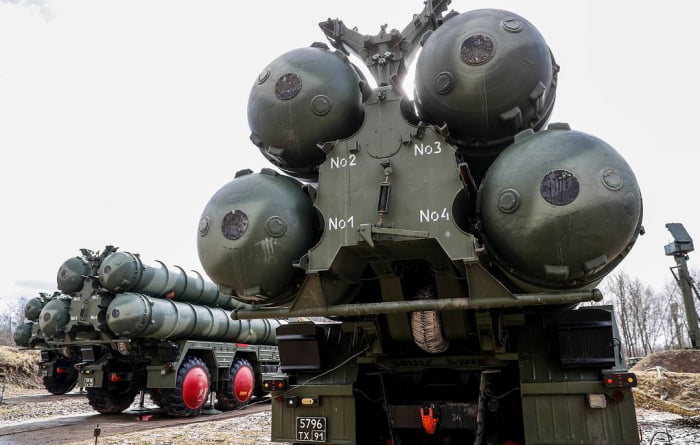 Russia completes the second installment of the controversial S-400 air defense system to Turkey