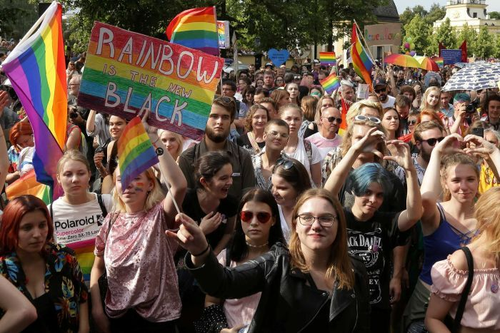The Polish Police detain more than 30 people during a march of the LGTB collective