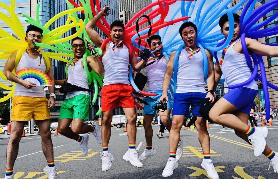 About 200,000 people celebrate the Pride in Taiwan after gay marriage approval