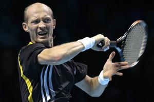 Davydenko into semis at US Open