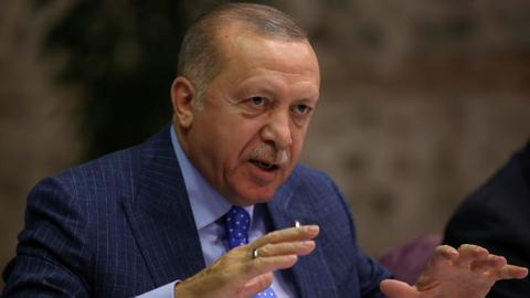 Erdogan explains to Macron the objective of the offensive in northeastern Syria during a phone call