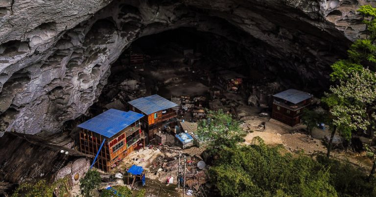 Gebeng Journal: China's Last Cave Dwellers Fight to Keep Their Underground Homes