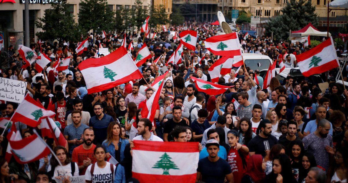 Hariri announces the resignation of the Government for protests in Lebanon