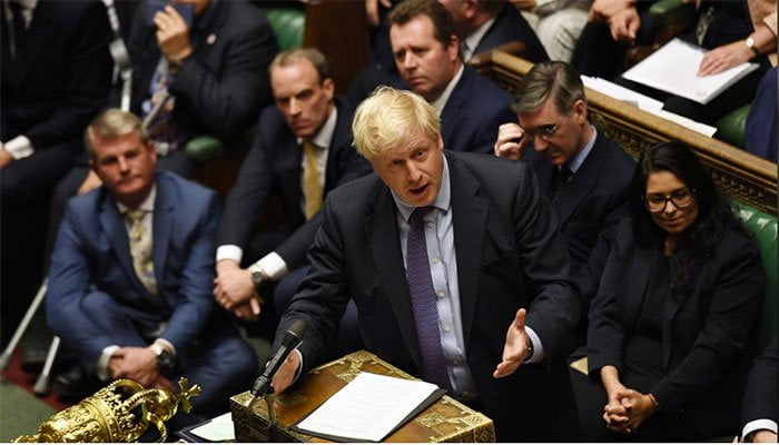 Johnson refuses to postpone the exit of the EU despite the provisional defeat of his Brexit plan