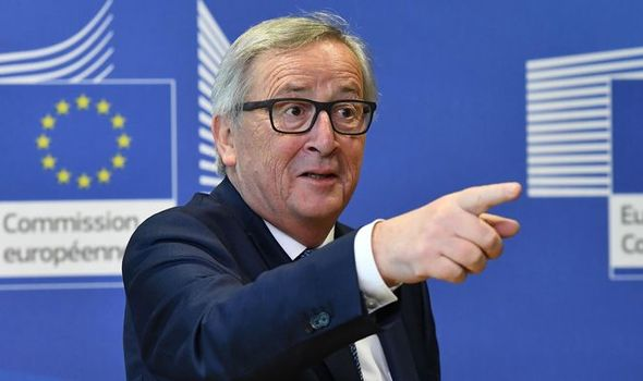 """Juncker says that the risk of a caustic Brexit is """"very real"""" but believes that """"the agreement is still possible"""""""