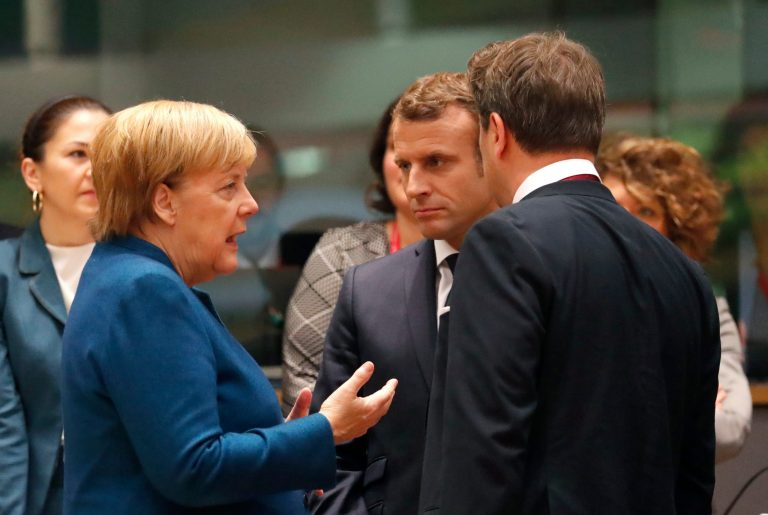 "Merkel and Macron, confident that it is a matter of ""hours"" to close the Brexit agreement"