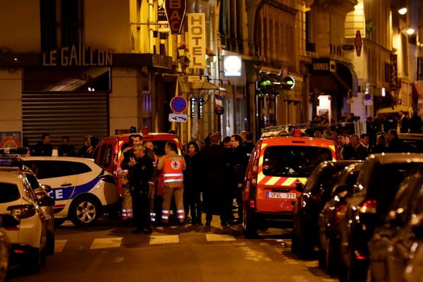 Paris Attack Leaves 1 Dead and 4 Wounded by Knife-Wielding Terrorist