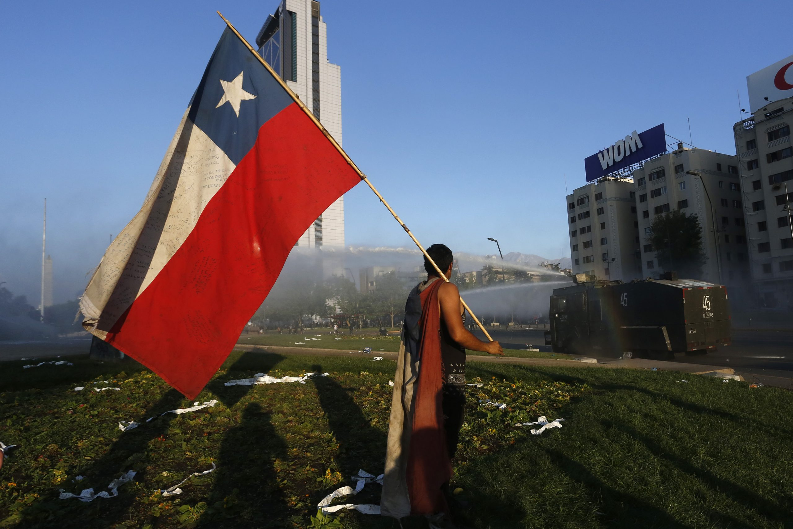 Piñera suspends the rise in the price of the metro in Chile after protests