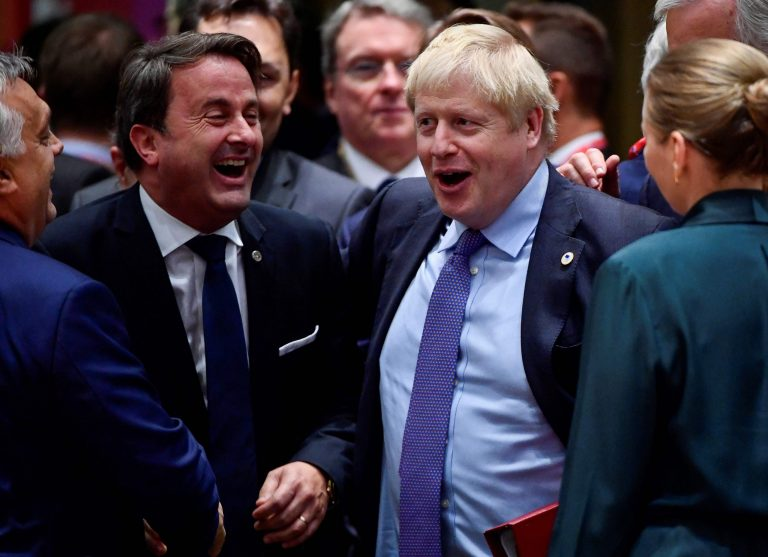 The British Parliament opens a historic session to decide the Brexit agreement agreed by Boris Johnson