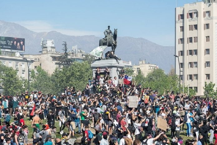 The Chilean Government raises the death toll from protests to 19