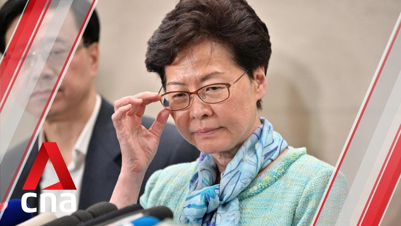 """The leader of Hong Kong condemns the """"unprecedented"""" violence of the last hours in the territory"""