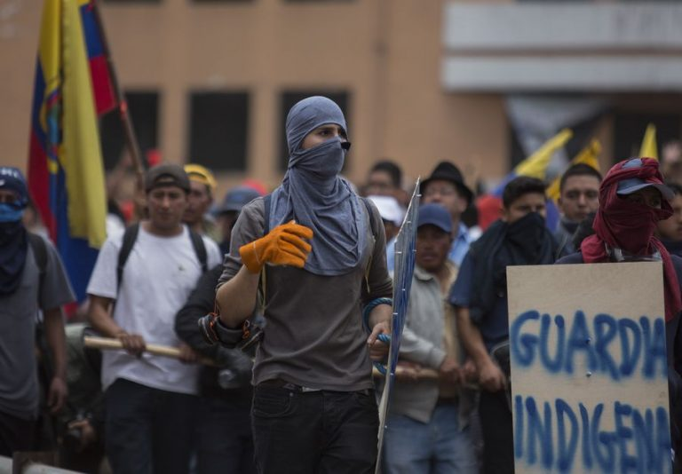 Thousands of indigenous people march in peace in Quito after the altercations in the union demonstration