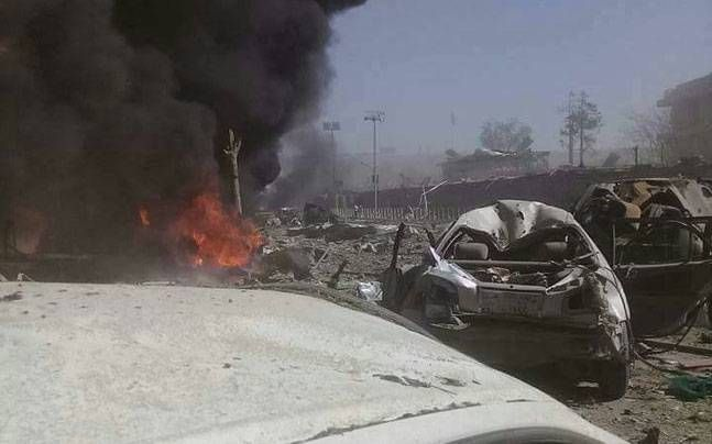 Two dead and more than 20 injured by the explosion of a car bomb in the Afghan province of Laghman