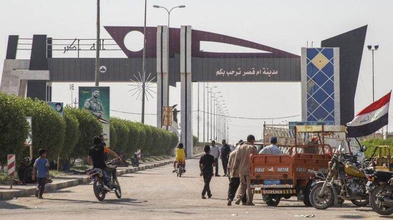 At least 120 injured by police action against protests in the blocked Iraqi port of Umm Kasar