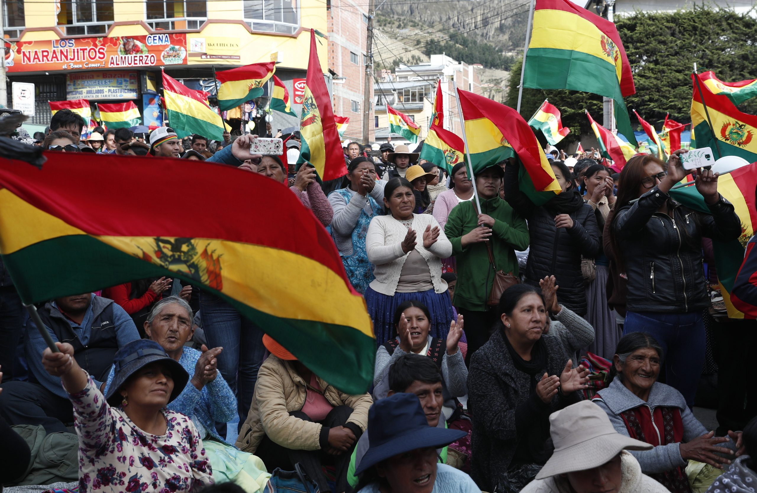 Bolivia Says It does not reject the dialogue posed by Morales and the PDC is willing with conditions