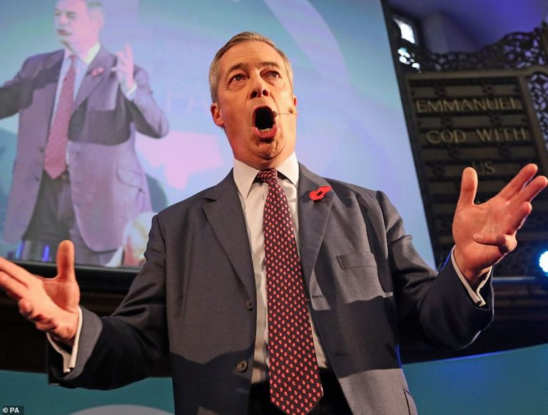Farage warns that the Brexit Party could be key to the elections in a divided Parliament