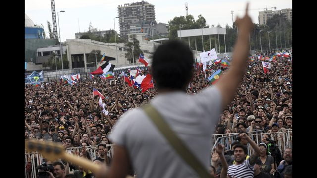 Friday's protests in Chile leave at least 16 injured and 132 arrested