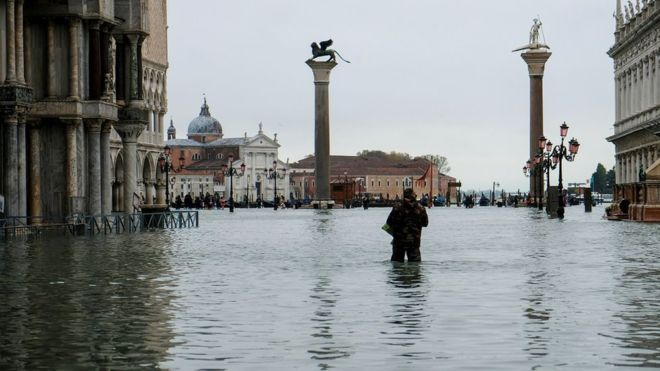 High tide in Venice forces to close St. Mark's Square and restrict the navigation of the 'Vaporetti'