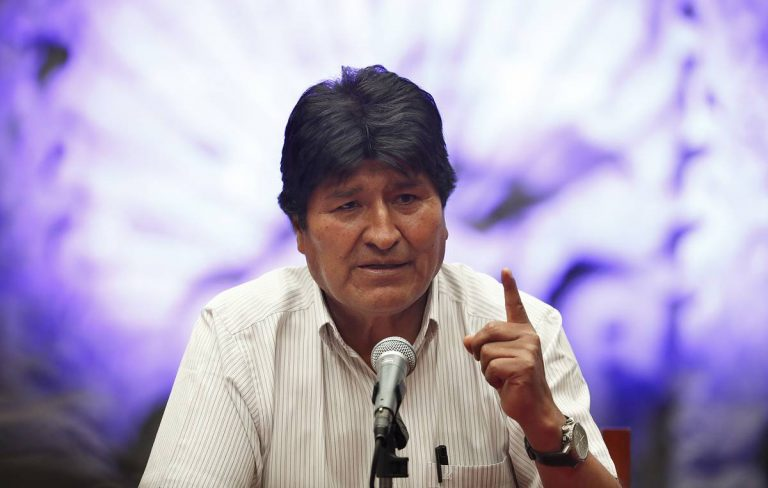 """Morales asks the UN and the Catholic Church for help to """"pacify"""" Bolivia through the dialogue"""