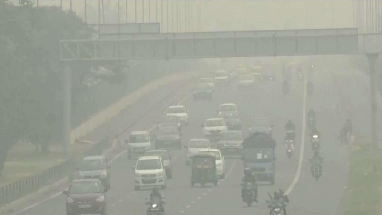 New Delhi restricts road traffic due to pollution alert