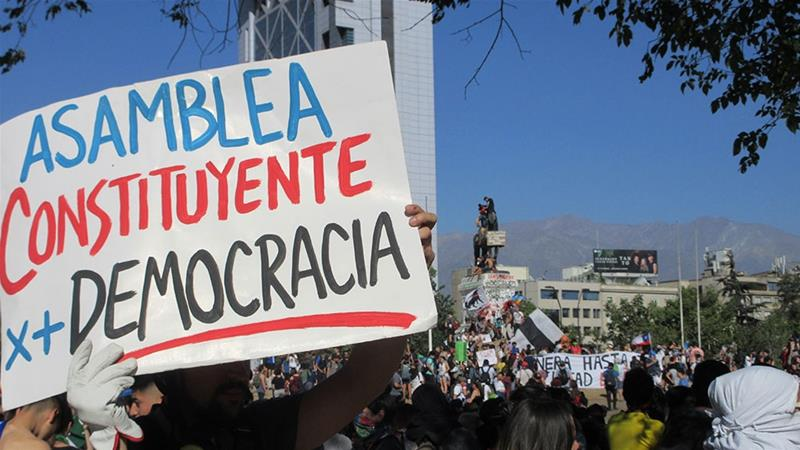 The Chilean Congress agrees to hold a referendum in April 2020 in a first step to change the Constitution