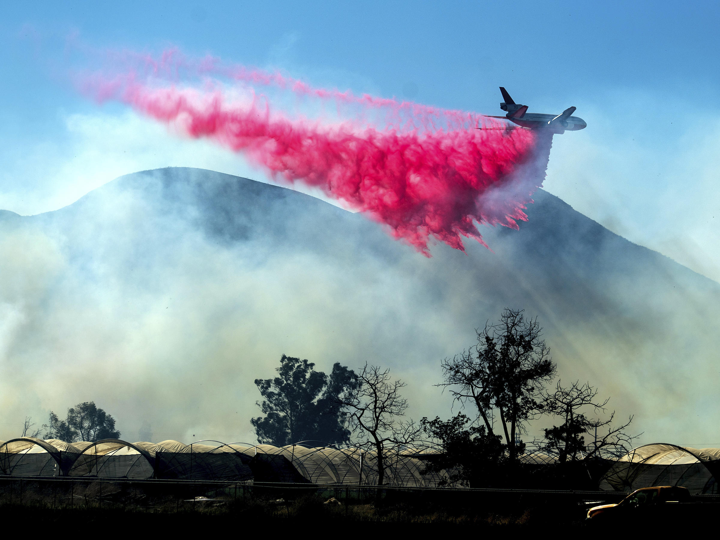 The fires that have ravaged California for two weeks, 70% contained