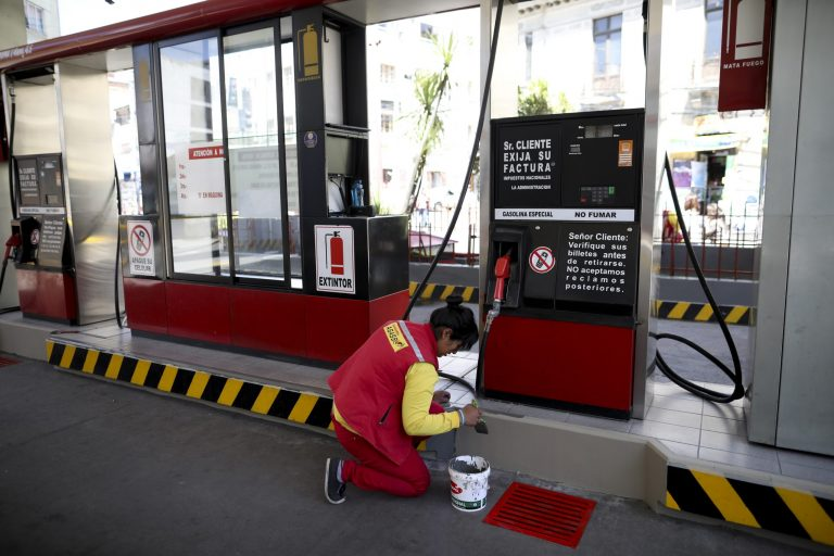 The Government of Áñez announces an emergency plan to guarantee the supply of fuel in La Paz
