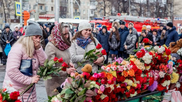 As Russia Mourns Victims of Mall Fire, Some Chant, 'Corruption Kills!'
