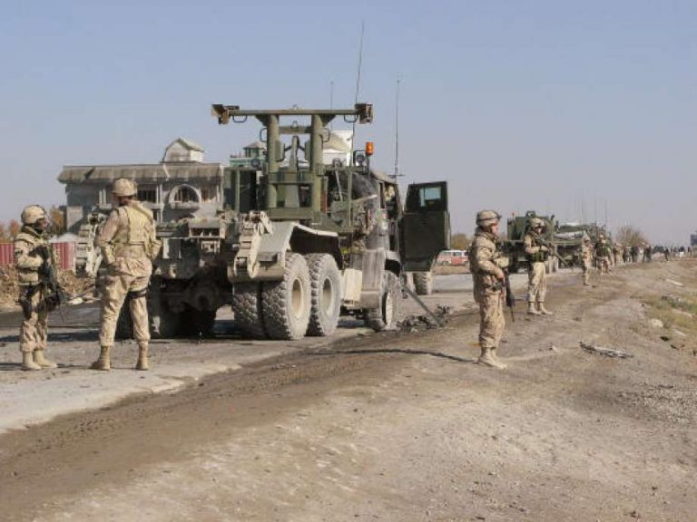 Canadian convoy targeted in southern Afghanistan